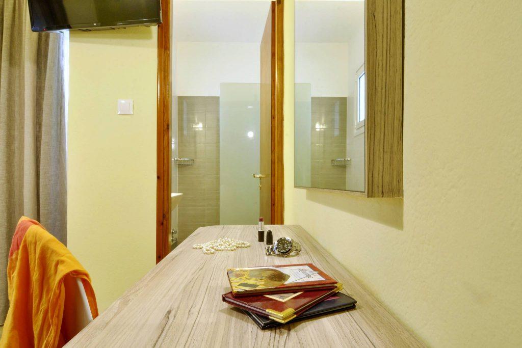 Hotel Orpheus Corfu Budget Twin Room 04